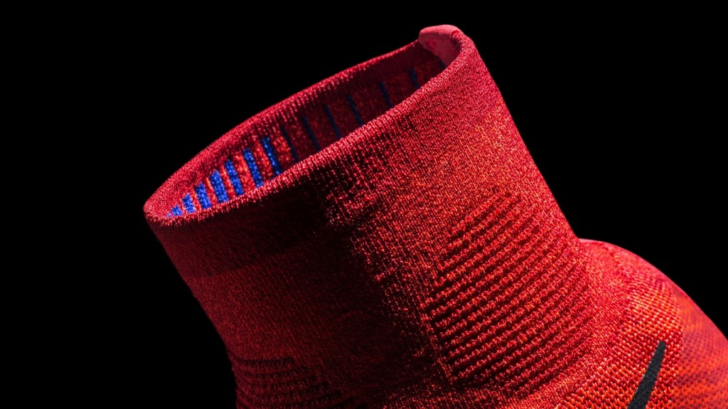 Nike LunarEpic Flyknit_Revolutionary mid-height collar design