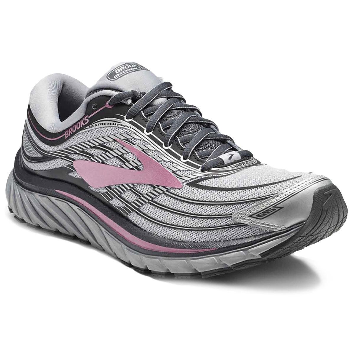 b3abfd86e91 Από την άλλη πλευρά υπάρχουν και τα Brooks Glycerin, ένα σούπερ – μαλακό  παπούτσι που σου δίνει μια πολύ ανάλαφρη αίσθηση σε κάθε σου βήμα.